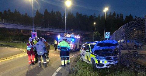 KOLLIDERTE: Politimannen mistet kontrollen da han kjørte utrykning på Fjellhamar i fjor. Her i Kloppaveien ble det bom stopp.