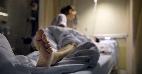 PROBLEM: Det må utdannes flere sykepleiere i tiden som kommer, for i dag mangler det 5 700 sykepleiere på norske helseinstitusjoner.