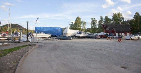 AVLØPSLEDNING: Hurum kommune la nylig ut en avløpsledning i Sætrepollen, men det har gått rykter om at ledningen har lekket kloakk.