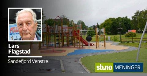 Tilrettelagt: Sandefjord har ingen lekeplasser som er tilrettelagt for barn med nedsatt funksjon. – Vi ser at det går galt mange ganger til tross for lovkrav. sa Charlotte Jahren Øverbye (SV) Her får hun støtte av Lars Flagstad (V). FOTO: TONE MERETHE UDE