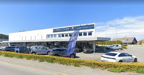 Bilforhandler Gabiel Østråt fikk ikke fornyet avtalen med Peugeot.