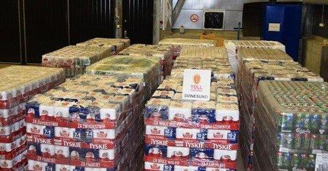 28. august i år fant Svinesund-tollerne til sammen 31 paller med 22.680 liter øl og 270 liter brennevin i en polsk semitrailer. Nå er sjåføren dømt til ett års fengsel.