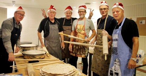 Nisser og flatbrødbakere: Joar Eide (til venstre), Arnfinn Løvik, Terje Bergsnev, Pål Engvik, Sigmund Bjerkestrand og Narvid Raknes.