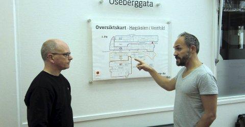Høyskolen: Morten Rudi Moe, Statsbygg, sammen med oppfinneren.