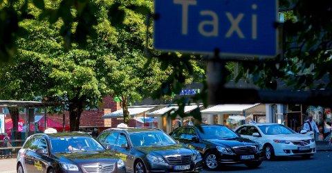 KONNKURRERER MED KOLLEGER: - Illojalt av Per-Morten Danielsen å konkurrere med de som egentlig er kolleger i hans egen bedrift, mener drosjeeiere i Tønsberg.
