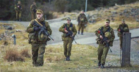 En tropp fra HV-09103 gjør seg klar til å være markører på årets øvelse Bjørgvin som skjer i Bergen.