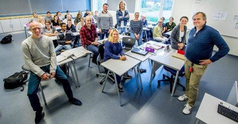 Fredrikstad-skolene slipper lærerkutt: Fredrikstad har en høyere lærertetthet enn kommuner det er naturlig å sammenligne seg med. Nå sier flertallspartiene nei til kutt. Bildet er fra Vestbygda skole. (Arkivfoto: Erik Hagen)