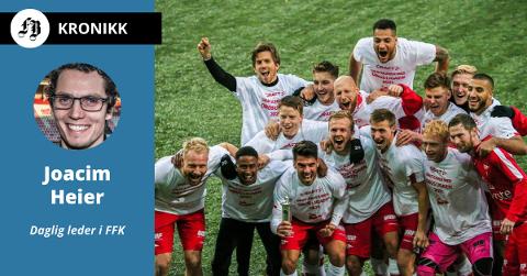 Spillerne jubler over opprykket.  – I 2021 er det OBOS-ligaen som gjelder igjen og vi gleder oss til å ta fatt på neste kapittel med dere, skriver daglig leder til supportere, samarbeidspartnere og frivillige.