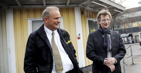 I STRID: Viken Taxi og styreleder Tore-Jan Aas (t.v.) varsler at de vil kreve over 1 million kr i erstatning av tidligere daglig leder Per-Morten Danielsen. Bildet av de to sammen er tatt i 2012.