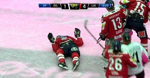 Lillehammers Emil Nyhus ble liggende på isen etter grusom takling fra Stavanger Oilers-spiller