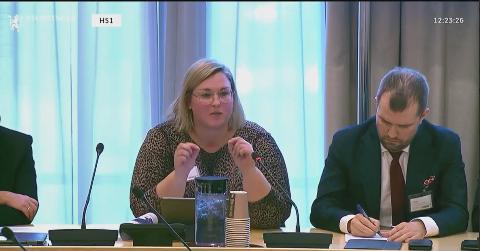 TALTE DE SVAKES SAK: På Innlandets vegne hamret Anne Marte Kolbjørnshus inn behovet for å løse utfordringene med stadig flere unge som faller utenfor skole og jobb i deler av Innlandet.
