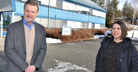 OPTIMISTER IGJEN: Direktør Tor Asak Giæver og personalsjef Mari Ulven Blekkerud sendte ut de første permitteringsvarslene grunnet covid-19.