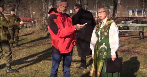 Helgelendingen sendte direkte fra kransnedleggingen på Dolstad om morgenen 17. mai. Martha Eleen Mikalsen ble intervjuet av Rune Pedersen. Sendingen blir  publisert som opptak så snart det er klart.