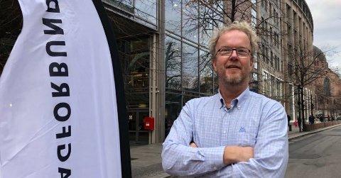 Imponert: Leder av Småbåtutvalget i Oslo, Lasse Kristiansen, hadde forventninger til besøket i Holmestrand, og de ble innfridd. Foto: Fagforbundet