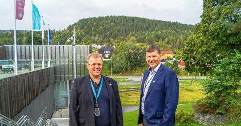 Rektor Eirik Hågensen (til høyre) og pedagogisk leder og prosjektleder Tommy Hvidsten satser internasjonalt på verdens første sykkelsti-utdanning med midler fra Erasmus+.