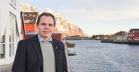 INGEN TUNGESKJÆRING: Ingar Halland i Sufi AS sier at det ikke blir mulighet for tungeskjæring i vinter. I stedet gir bedriften 30.000 kroner til lag og foreninger.