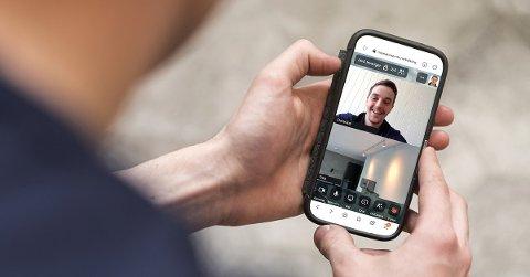 DIGITAL BEFARING: Det trengs ikke mer enn en mobiltelefon og internett, så kan du få korona-trygt elektrikerbesøk i hjemmet, forteller Morten Lorentzen i NTE Elektro Levanger.