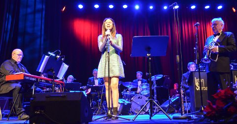 SOLIST: Lisbeth Marie Fumero (12) synger hver dag, og mest for seg selv, men trives også på scenen.
