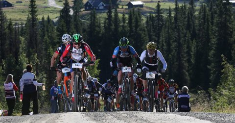FOLKEFEST PÅ TO HJUL: Lørdag skal tusenvis av syklister forsere fjellet mellom Rena og Lillehammer i Birkebeinerrittet.