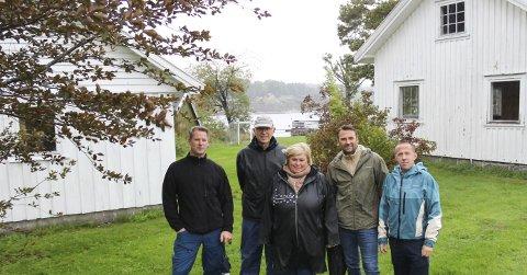 Joakim Wrige, Ole Hagen, Marianne Dahl Myrhaug, Bjørn Ove Width og Henning Sudland har kjempet jevnt og trutt for at det ikke skulle selges tomter som planlagt på Randineborg. Nå føler de at de er blitt hørt.