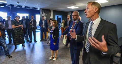 Rørt: Det var en rørt avdelingsleder Tormod Steen, som etter tre års arbeid kunne ønske velkommen til Moment, og Rana museum. Foto: Øyvind Bratt