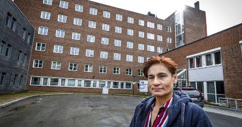 – Jeg er nok bitter på en måte. Det går på at faglige vurderinger er blitt mistenkeliggjort. Det er ikke er vanskelig å tenke seg en situasjon der personer vil være forsiktig med å påpeke ting som ikke er politisk riktig, sier tidligere fagsjef i Helgelandssykehuset, professor i pasientsikkerhet, Ida Bukholm.