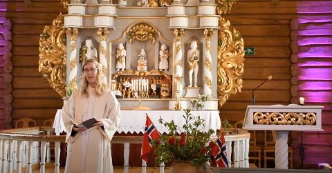 FØRSTE GUDSTJENESTE: Johanne Gram-Nilsen holdt sin første gudstjeneste som sokneprest på Brøttum søndag.