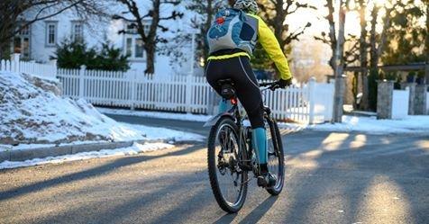 GRATIS: 150 par dekk deles ut til nye vintersyklister