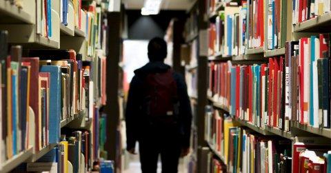 AVGANG: Sande-elevene som gikk ut av tiendeklasse i fjor oppnådde 40,2 poeng i snitt. Det ble belønnet med en 298. plass blant landets 422 kommuner, og sist i Vestfold. Illustrasjonsbilde