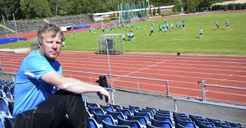 Storfornøyd: Roger Iversen i Sandefjord Ballklubb kan konstatere at klubbens fotballfritidsordning har vært en suksess.Foto: Oddvar Børve