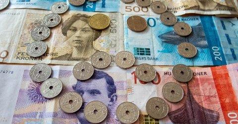 Optimismen for egen økonomi faller, ifølge Finans Norges forventningsbarometer.