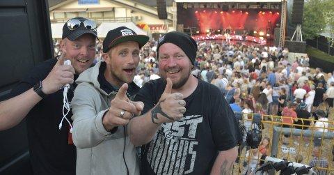 FORNØYDE: Eddy Lyshaug, Kenneth Hansen og Børre Olsen er godt fornøyde med årets rocke-festival.