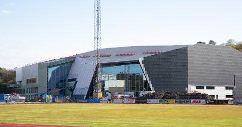 Sola Arena skal bli den nye gymsalen til elevene ved Sola ungdomsskole. Den er fortsatt ikke åpnet.