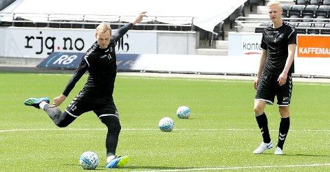 VIL IKKE VENTE: Viljar Røsholt Myhra har dårlig tid på å bestemme seg for den videre fotballframtiden. Og han vil ikke sitte og vente på et Rossbach-salg. foto: ole martin møllerstad