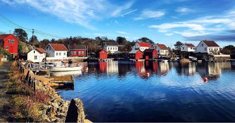 Beboerne her på Sandøya er ifølge velforeningen skuffet og overrasket over kommunestyrets vedtak om å legge ned stemmelokalet deres. Arkivfoto