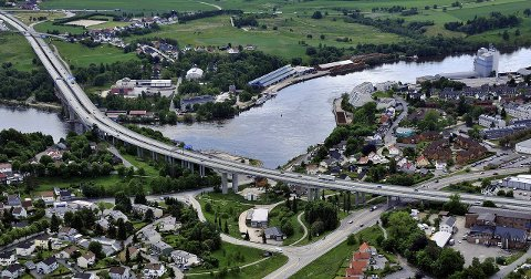 STORE PLANER:  Smelteverket Eiendom er nest største grunneier i Sundløkka - Gretnes. Selskapet eier blant annet kaianlegget og venter  spent på muligheten til å utvikle eiendommen  det eier langs Glomma.