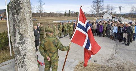RUSTAD: Markering i 2010 da det var 70 år siden slaget mellom tyske og norske soldater ved Rustad-gårdene. FOTO: JENS HAUGEN