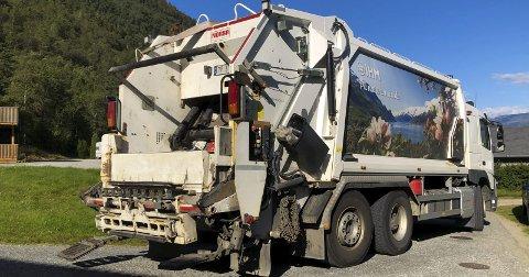 Fram til årsskiftet var det Indre Hordaland Miljøverk som henta avfall hjå hushaldskundar i Jondal og Ullensvang aust og vest. Foto: Eli Lund