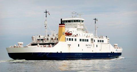 SKADD: Det var under en evakueringsøvelse fra Bastø III at fire personer ble skadd. Tre av dem pådro seg beinbrudd.