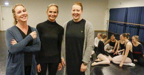 VIKTIGE: Lærerne som har vært med på å bygge opp danselinja har også vært med i en årrekke. Fra venstre Ingrid Bekkevoll Tarebø (14 av 15 år), Ingebjørg Hippe (ni år) og Stine Svensson Norheim (med siden starten i 2002).