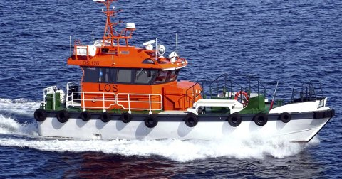 I ULYKKE: Det var en båt av denne typen som tippet rundt.