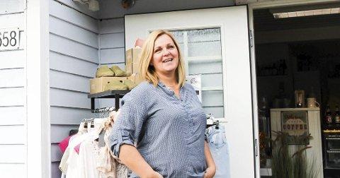 Nina Høier vurderer hva hun gjør fram til påske på Skafferiet. Enn så lenge er det åpen take away, og hun føler de har god kontroll.