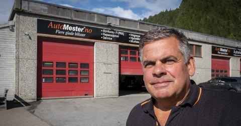 Provoserende: Jan-Olav Ostad, daglig leder ved Automester Helgeland Bilservice, blir provosert av uttalelsene fra Rana kommune.Foto: Øyvind Bratt