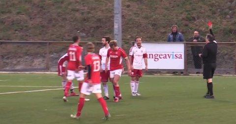 Utvist: Kåre Ophus måtte se det røde kortet mot slutten av kampen.