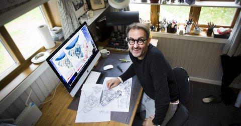 Ideene kommer raskere til meg med årene. Nå bruker jeg mest tid på selve tegneprosessen, forteller Egil Nyhus (55). Han har vært avistegner i Romerikes Blad siden 1987 og skaper som regel med svart tusj før han skanner og fargelegger i Photoshop. Foto: Lisbeth Lund Andresen