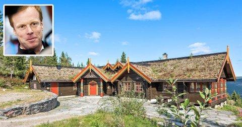 TUNGSOLGT LUKSUS: Hytta til Bjørn Dæhlie, har ligget ute for salg siden september i fjor.