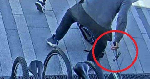HAMMER: En 18 år gammel gutt slo 39-åringen gjentatte ganger med en hammer.