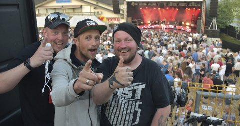 FORNØYDE: Eddy Lyshaug, Kenneth Hansen og Børre Olsen er godt fornøyde med årets rockefestival.