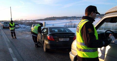 UP SER DEG: Utrykningspolitiet tar ikke påskefri. Arkivfoto: Asbjørn Olav Lien