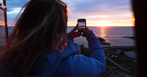 Fotograf: Jobben går blant annet ut på å fotografere og filme Nordmøre og Romsdal fra sine vakreste sider.